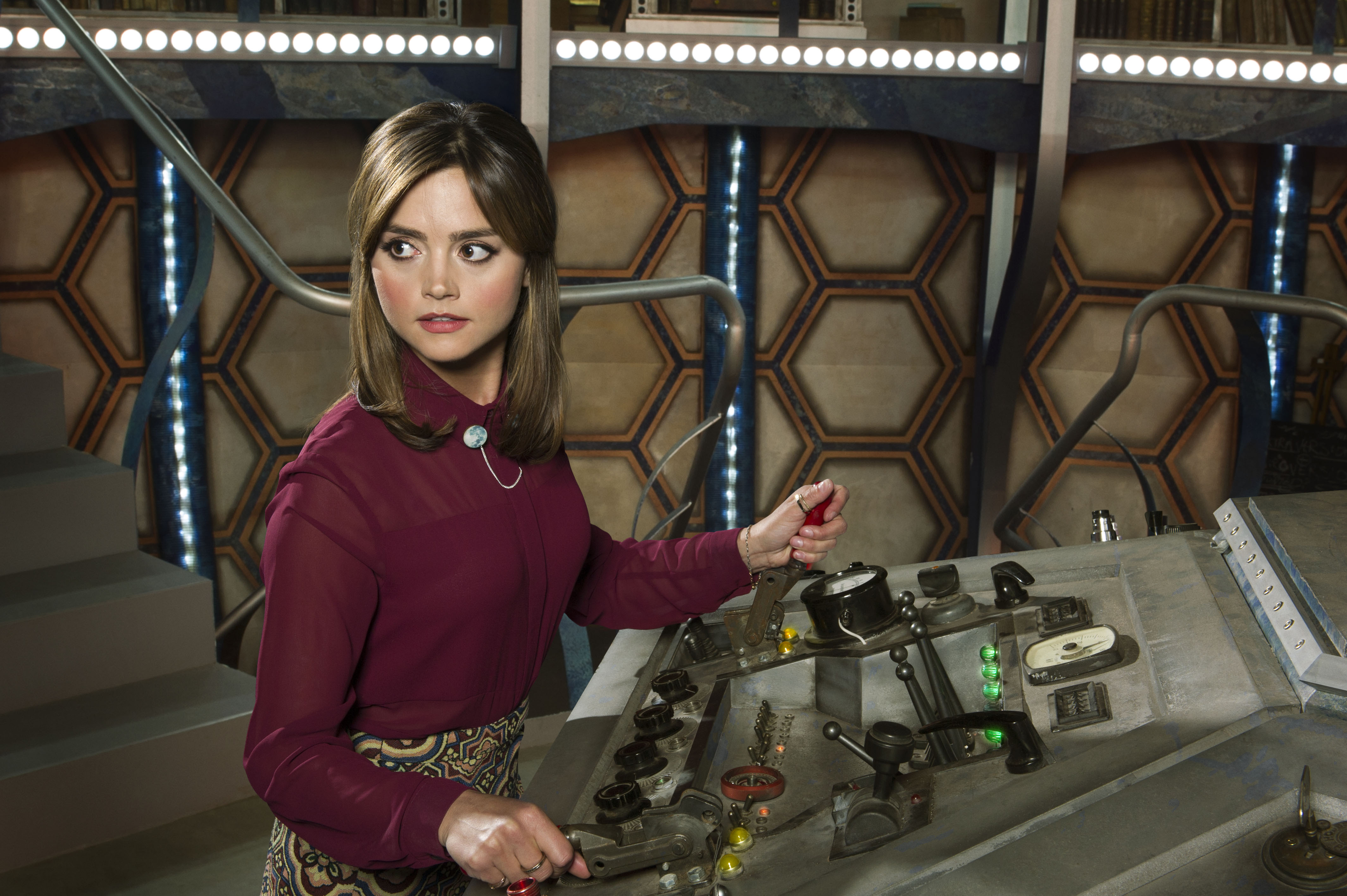 Jenna Coleman to remain in Doctor Who for the whole of series nine!