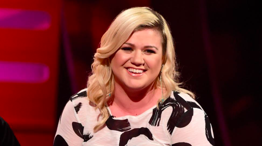 Katie Hopkins slams Kelly Clarkson over her weight during TV performance!