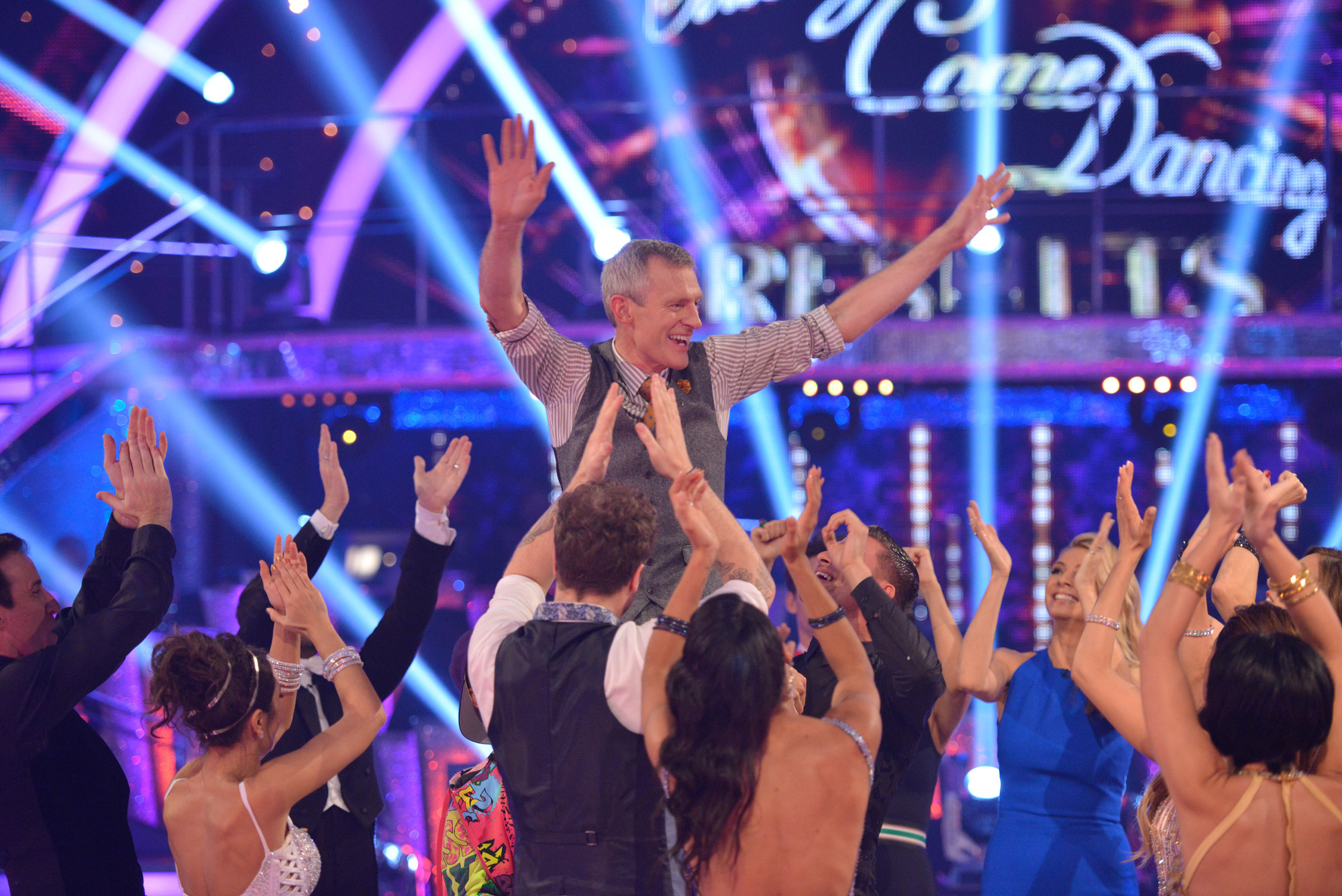 9789095-low_res-strictly-come-dancing-2015