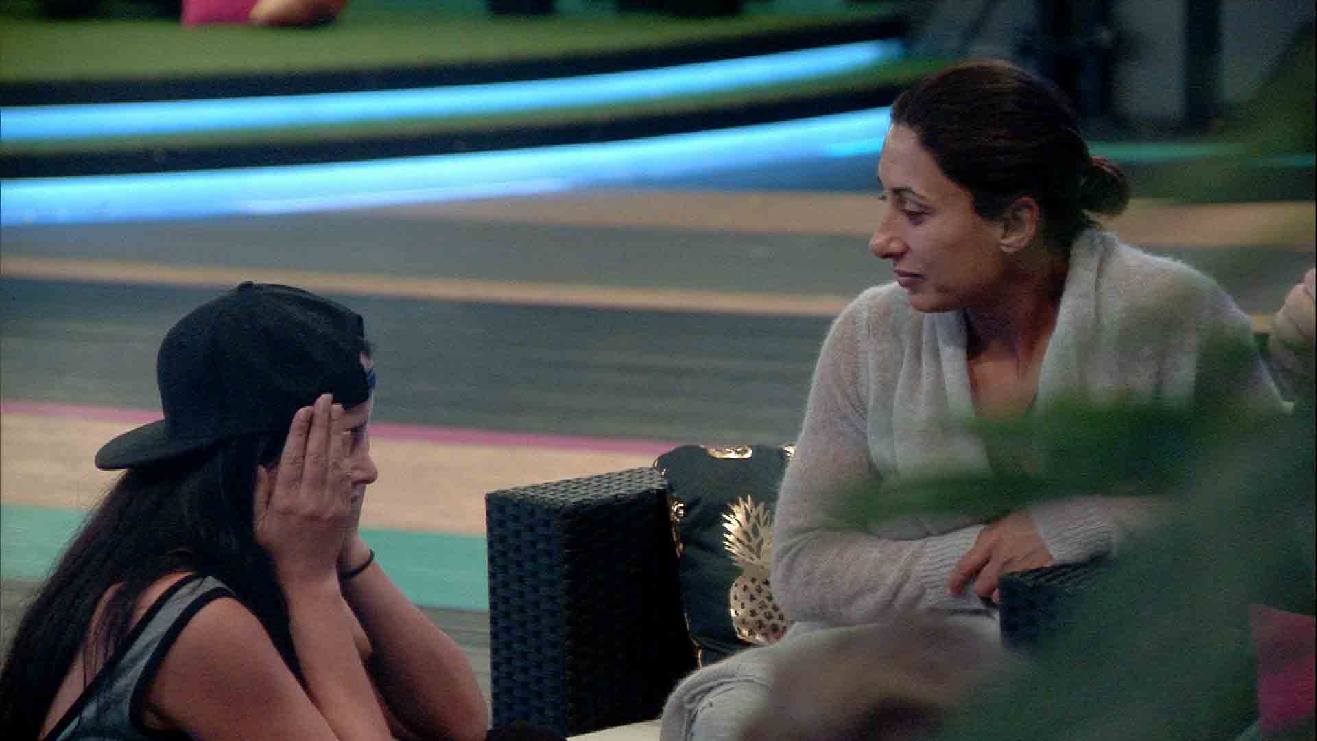 celebrity big brother 2016 saira khan cries as rowing