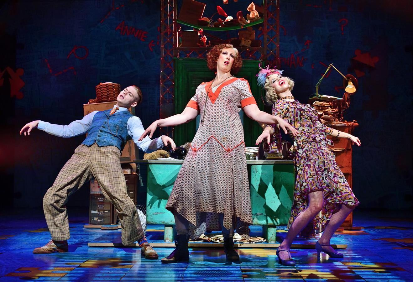 annie musical theatre piccadilly production miranda hart check twitcelebgossip go