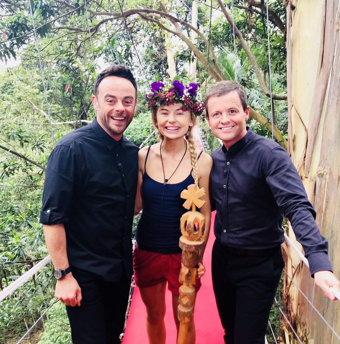 I'm a Celebrity viewers react to Ant and Dec's awkward ...