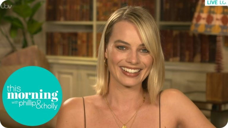 """We are going to miss them!"" Margot Robbie says she's addicted to Love Island"