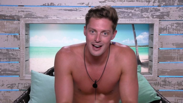 Love Island's Dr. Alex George 'to front STI campaigns for six figure sum'